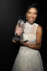 Natalie Cole accepts UKRO Spirit of Life Award