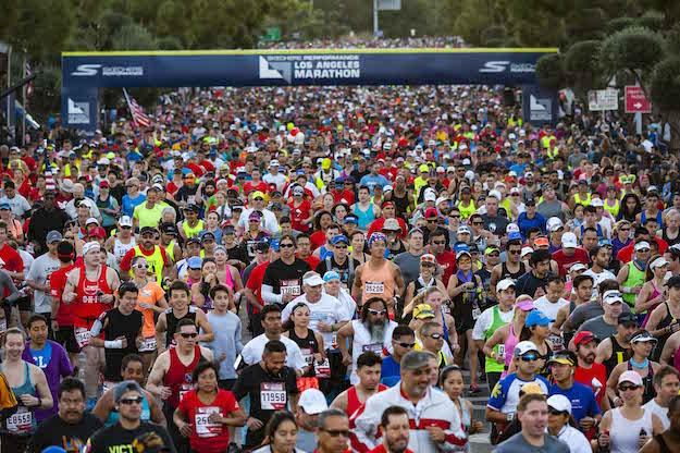 LA marathon runners